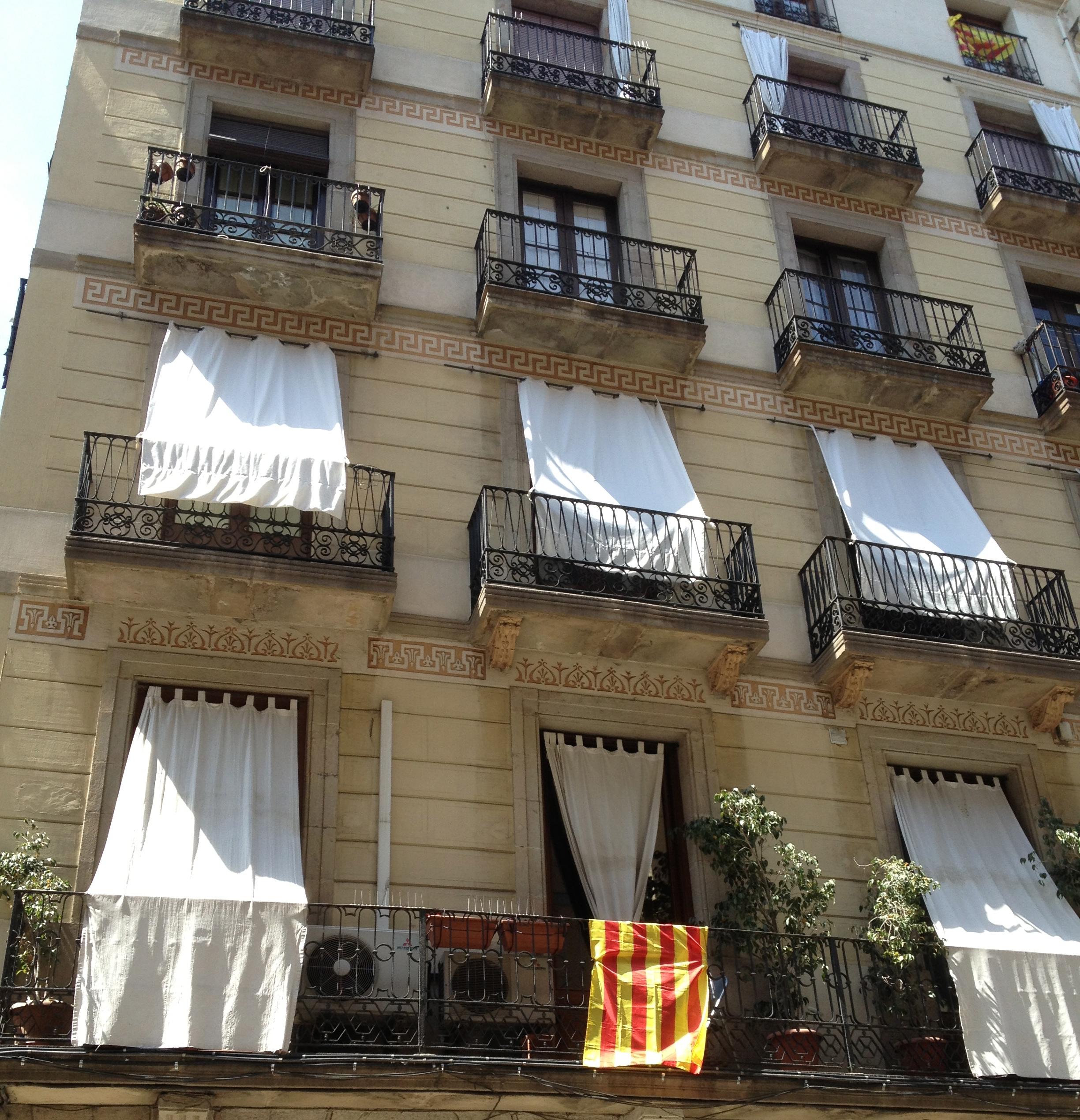 vagabondage ils sont fous ces catalans matching points. Black Bedroom Furniture Sets. Home Design Ideas